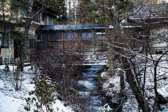 長野県駒ヶ根市 旅館「季澄香」 冬 雪景色 季の川